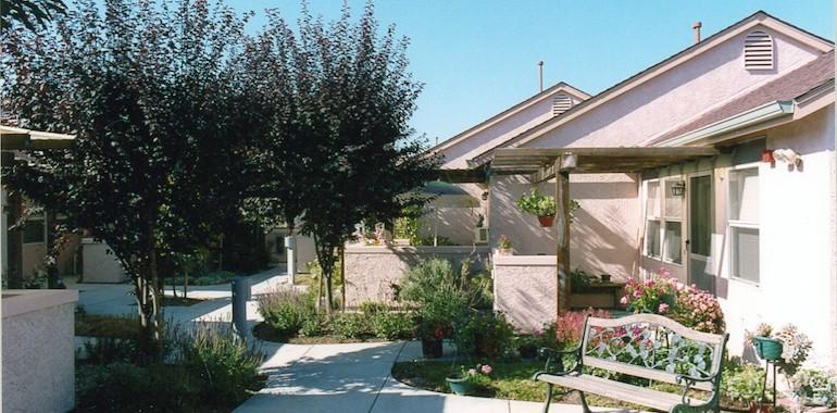 Vinecrest Senior Apartments - Windsor, CA ...